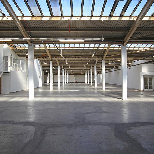 fblockt1_warehouse_pillars_windows_skylight